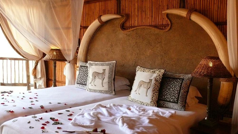 Boma,Fireplace,Lighting,Mkuze Falls Lodge,Amazulu Game Reserve,KwaZulu-Natal,Hluhluwe iMfolozi Reservations