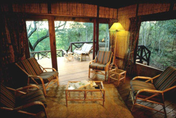 Munyawaneni Bush Lodge,Hluhluwe iMfolozi Reserve,Self-catering