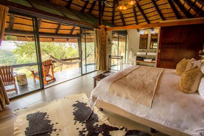 Private Luxury Chalet Leopard Mountain Game Lodge Manyoni Private Game Reserve Zululand Rhino Reserve Big 5 Hluhluwe iMfolozi Reservations