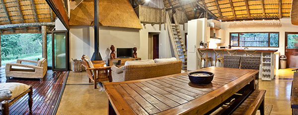 The Homestead, Lounge and Kitchen area at Rhino River Lodge in the Big 5 Manyoni Private Game Reserve (previously the Zululand Rhino Reserve) located in KwaZulu-Natal, South Africa